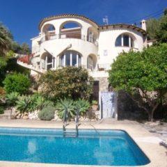 Ruime villa met zeezicht te Benissa