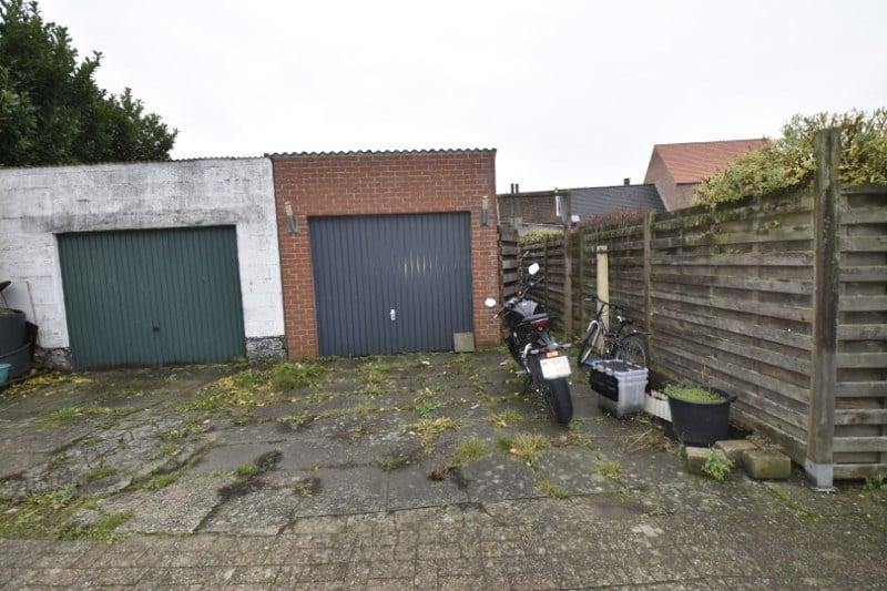 Instapklare woning met garage en tuin