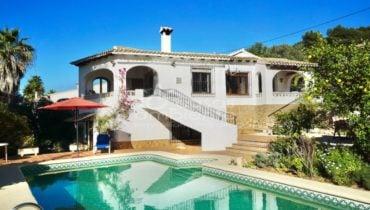 Ruime villa met open uitzicht in Moraira – Immo Costa Blanca